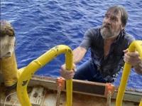 43時間も海を漂流していた62歳男性が無事救助される(アメリカ)