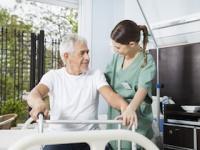 身の回りの世話をしてくれる人間がいない独身男性が脳卒中に襲われた場合、「介護施設」に入居する確率が約3倍(depositphotos.com)