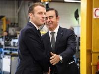 2018年11月8日、ルノー工場を訪れるマクロン仏大統領と、それを出迎えるルノー会長兼CEOのカルロス・ゴーン氏(写真:AFP/アフロ)