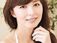 『伊藤綾子フォトエッセイ みんなの知ってる伊藤さん、みんなの知らない綾子さん。』(ワニブックス)