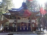 御岩神社拝殿(Papakuroさん撮影、Wikimedia Commons
