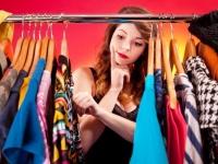 女子大生がファッションで悩んでいることTop5! 1位「服を買うお金がない」