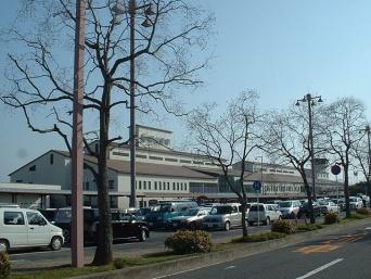 岡山空港の愛称、「岡山桃太郎空港」に(Wikipedia Commons