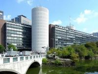毎日新聞東京本社(「Wikipedia」より)