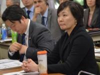 2015年3月15日のシンポジウムでの和田政宗氏と安倍昭恵夫人(撮影・横田一)