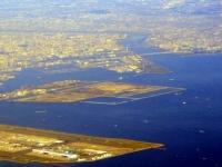 東京湾に注ぐ荒川(「Wikipedia」より)