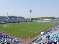 Y.S.C.C.横浜ホームグラウンドのニッパツ三ツ沢球技場(「Wikipedia」より)
