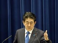 消費増税を再延期を会見で表明する安倍首相(「AP/アフロ」より)