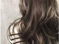 """流行カラー""""ブルージュ""""で、ツヤ感&透明感あふれるオシャレ髪を♡"""