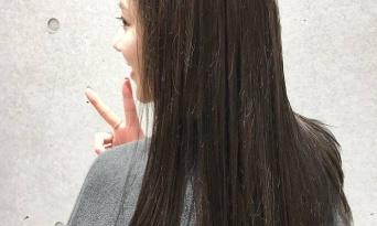 透明感のある暗髪は秋冬にマスト♡ヘアカラーで楽しむ季節にしよう!