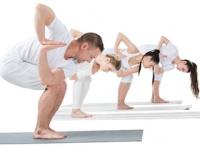 腰痛の治療は、まずはなんでも良いから体を動かすことからはじめてみよう(depositphotos.com)