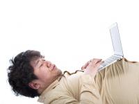新卒必見! 入社1年目で自分のノートPCは必要? 実際に購入した現役社会人は約◯割