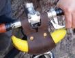 バナナはおやつじゃない、体の一部である。できるサイクリストの為の「バナナホルダー」