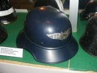 シュタールヘルム社製のヘルメット 画像は「Wikipedia」より引用