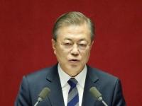 施政方針演説を行う韓国の文在寅大統領(写真:代表撮影/ロイター/アフロ)