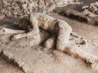 遺物の呪い。ポンペイ遺跡から盗んだ出土品を返還した女性、15年間呪いに苦しむ