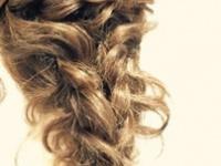不器用だからってヘアスタイルは諦めモード?不器用さんも出来るオトナ女子のダウンスタイル特集!