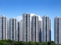 都会でも高層ビルは救急過疎地? shutterstock.com
