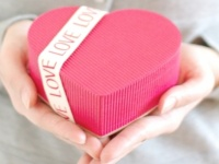 バレンタインチョコ、もらうなら手作りがうれしい? 買ったものがうれしい? 男子のホンネは……