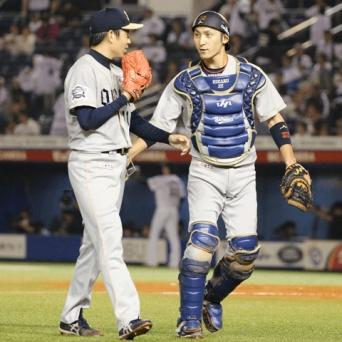 正捕手争いは若月健矢と伊藤光のマッチレースか!?