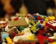 レゴブロックは最大で1300年、海中で形を変えず残存することが判明(イギリス研究)