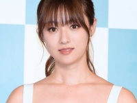 深田恭子「FNS歌謡祭」での笑顔にファン騒然!「しんどそう」「不安感じる」