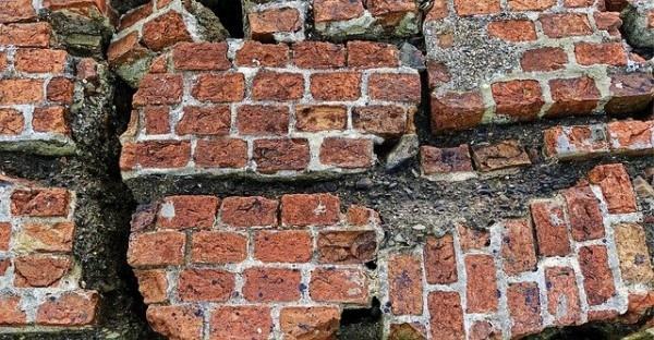 brick-2205882_640