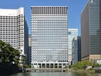 三井物産本社が所在する日本生命丸の内ガーデンタワー(「Wikipedia」より)