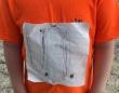 大好きなアメフトチームのTシャツを自作した少年がいじめられていることを知ったチーム、そのデザインを公式Tシャツに