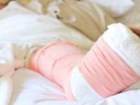 骨粗鬆症患者は予備軍まで含め2000万人超 Bignai/PIXTA(ピクスタ)