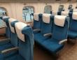 「急な出張で乗った年末の新幹線。何とか席を確保したのに、知らない家族のせいで立ち続けるハメに」(大阪府・50代男性)