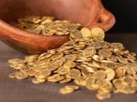 イギリスのバードウォッチャーが2000年前のケルトコインを大量に発見。総額1億2千万円相当