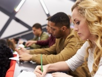 テスト前の大学生必見! 授業で役立つ効果的なノートの取り方9選