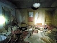 購入した家の屋根裏に隠されていたのは「まるごと1軒」の荒れ果てた家だった...