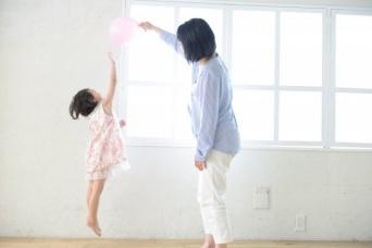 飛んだり跳ねたり、楽しくても...(画像はイメージ)