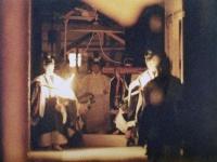 1990(平成2)年11月22日から23日にかけて執り行われた、今上天皇の大嘗祭。写真は、皇居・東御苑にて主基殿に入られる天皇・皇居両陛下(写真:読売新聞/アフロ)