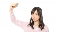 セルフィー好きには必須! 女子大生が持っている自撮りアイテムランキング