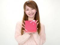 彼氏が元カノからのプレゼントを使ってたらどう思う? 女子大生の6割がNG判定!