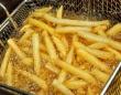 揚げ物や焦げた食品には少し注意が……(http://jp.depositphotos.com)