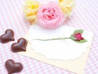 チョコにメッセージカードは添えるべき? バレンタインを渡す予定の女子大生のうち6割は……
