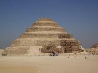 ジェセル王のピラミッド 画像は「Wikipedia」より引用