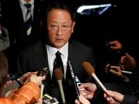 今年2月、対トランプ協議で安倍首相と会談したトヨタ自動車・豊田章男社長(ロイター/アフロ)