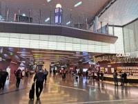成田空港よりははるかに活気があった乗継地のドーハ空港。