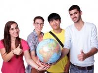 意外と海外志向は薄い? 今年の夏休みに短期留学へ行く大学生は約◯割
