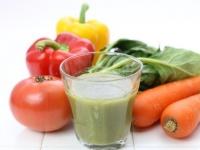 野菜不足解消に! 野菜ジュースを飲んでいる大学生は約5割「気休めにはなる」
