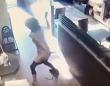 ドーナツ店でトイレの使用を断られた女性、レジ前でうんちっち、でそれを店員に投げつける(カナダ)