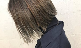 透明感を重視するなら、ブリーチで決まり♪今の時代髪へのダメージも軽減出来ちゃう!