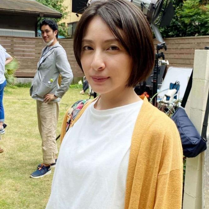 奥菜恵、最新の姿を披露で大反響「変わらず綺麗」「年齢にしては…」(1 ...