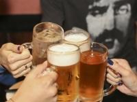 これが男の本音! 「お酒が強い女性」「お酒が弱い女性」好感度が高いのはどっち?