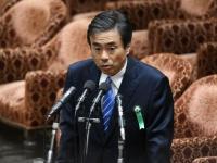 参考人招致に臨む柳瀬唯夫元首相秘書官(写真:AFP/アフロ)